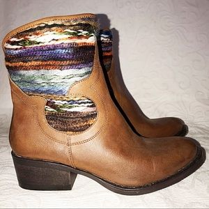 Mossimo Tribal Leather Western Ankle Boot 6.5 Nwot